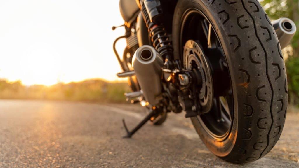 PKW Anhänger zu Motorradtransporter umbauen