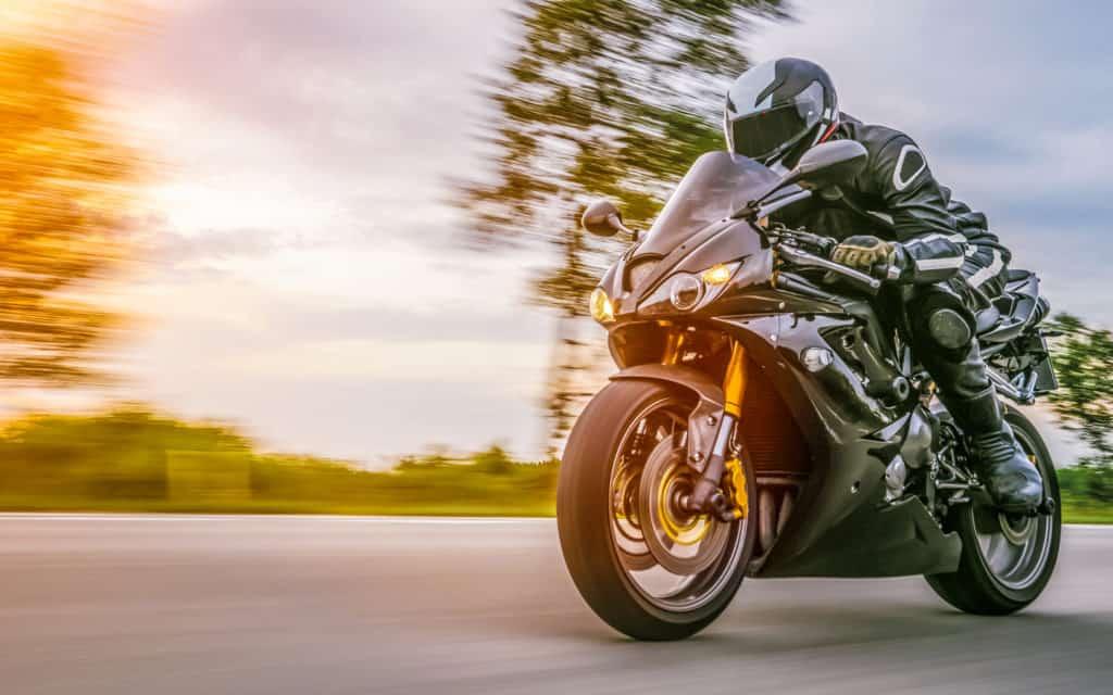 Motorradtransport mit einem Motorradanhänger von Pongratz
